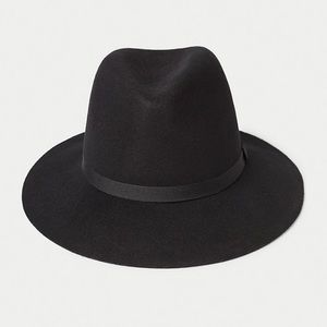 Wilfred Huette hat